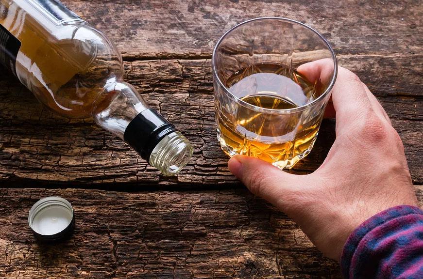 Алкоголизм: признаки заболевания и способы его лечения